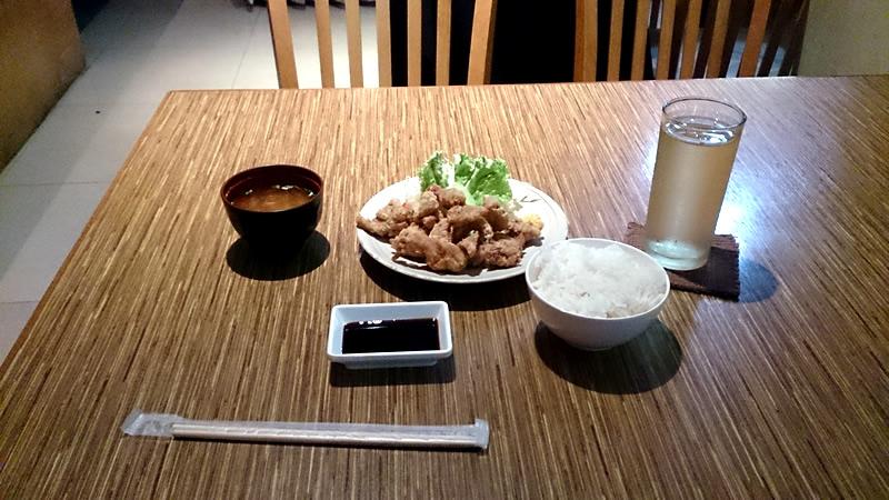 タイの大衆向け日本定食屋「Takeshiya」